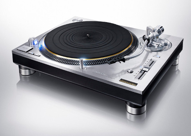 https://loc-sono-patton.fr/wp-content/uploads/2018/01/technics-sl-1200-616x440.jpg